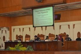 Di Penghujung Tahun, DPRD Ketok 2 Raperda