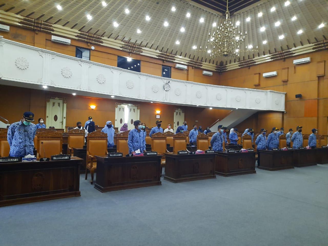 Sekretariat DPRD Khidmat Ikuti Upacara Virtual