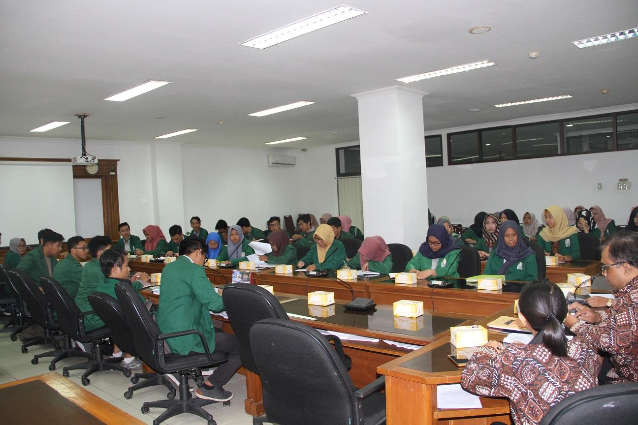 Audiensi Mahasiswa UIN ke Sekretariat DPRD Kota Yogyakarta, Kamis (15/11/2018)